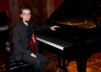 1. Lonigo- Pavel Zemen, klavírista